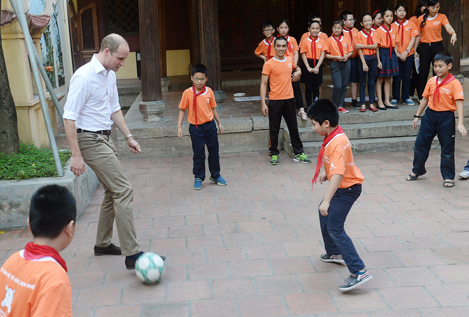 prince-william-visits-hanoi-for-wildlife-conference
