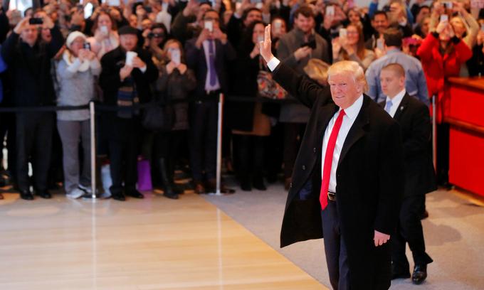 Trump reverses threat to prosecute Clinton