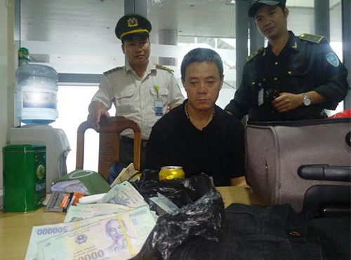 chinese-man-arrested-for-stealing-on-vietnamese-flight-again