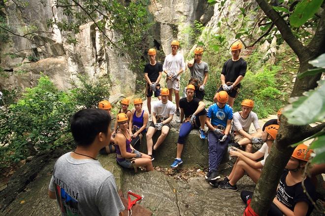 rock-climbing-in-da-nang