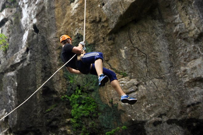 rock-climbing-in-da-nang-7