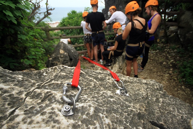 rock-climbing-in-da-nang-1