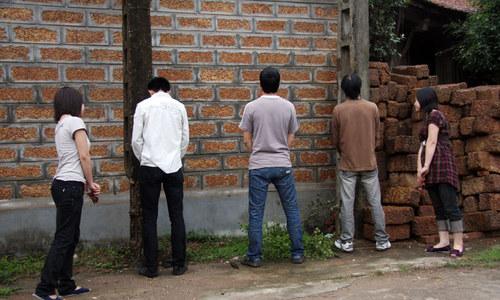 Vietnam to slap higher fines on public urination