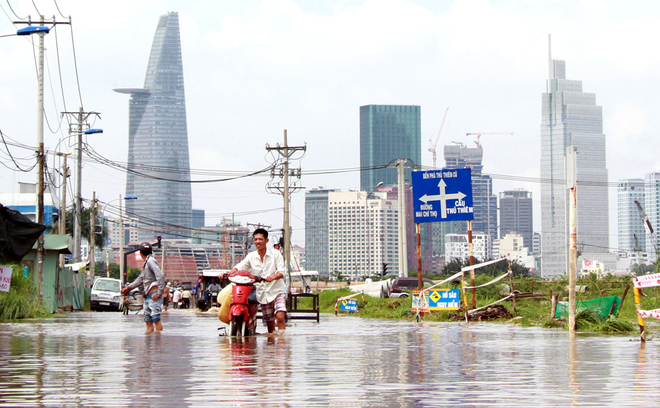 Ho Chi Minh City to spend $130 million combating floods in 2017