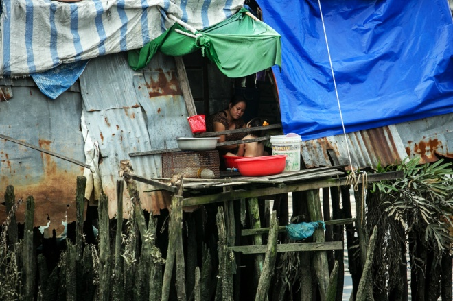 we-cant-wait-to-get-out-of-here-this-is-how-life-goes-in-saigon-slums-4