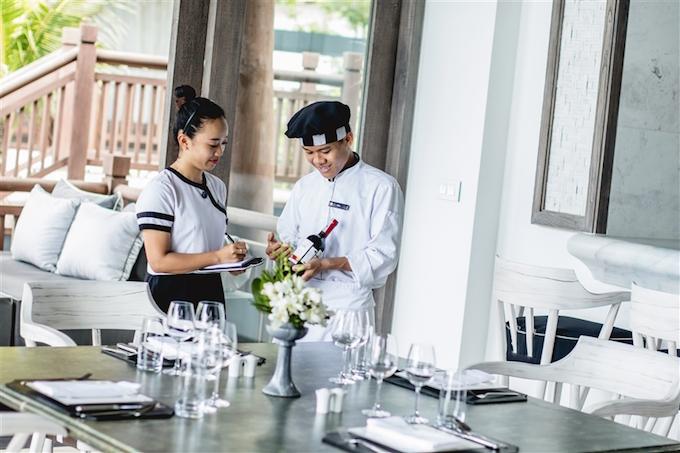 intercontinental-danang-sun-peninsula-resort-named-worlds-most-luxurious-for-3rd-year-2