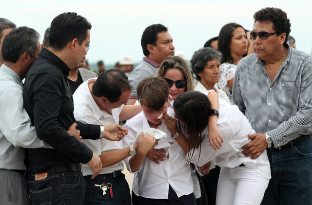 victims-of-colombia-crash-take-final-flights-home-to-brazil-4