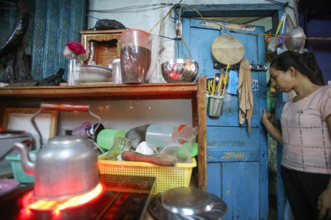 big-family-shares-tiny-house-in-ho-chi-minh-city-7