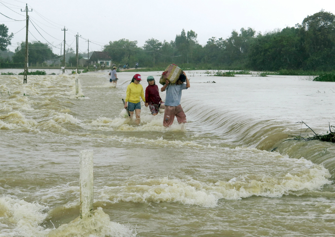 An area hit by the floods in the central province of Binh Dinh. Photo by VnExpress