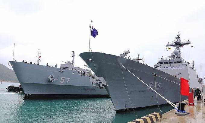 South Korean naval ships visit Vietnam's Cam Ranh Port