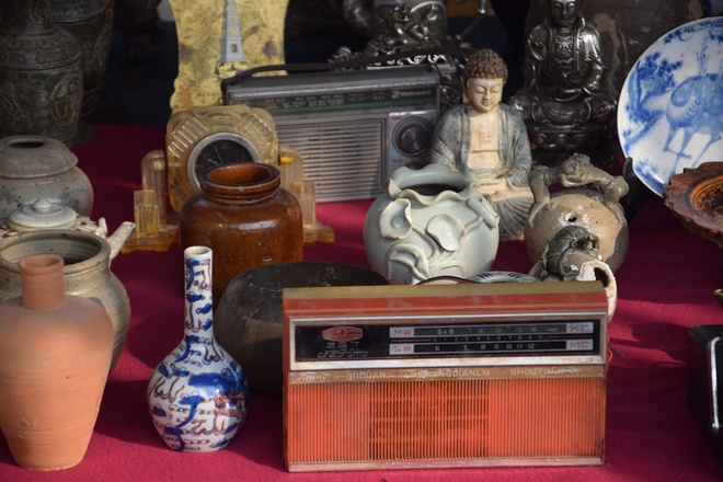 hanoi-retro-exhibition-shows-city-life-in-the-age-of-typewriters-and-rotary-phones-5