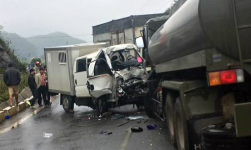 Inmate killed as prisoner car hits truck in northern Vietnam