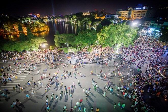 Walk this way: Hanoi to extend pedestrian zone trial through first half of next year