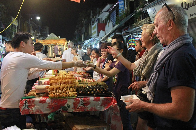 top-10-night-markets-in-vietnam