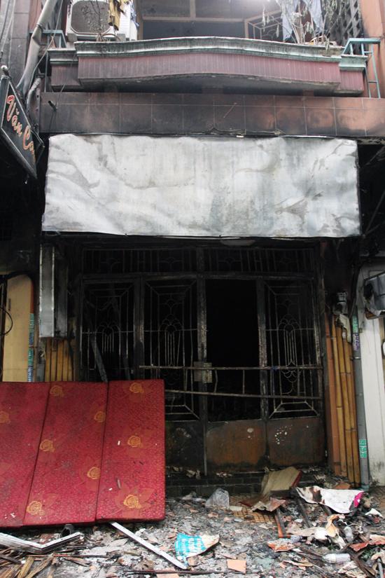 midnight-fire-kills-6-in-saigon-alley