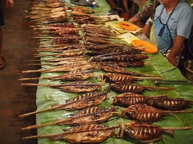 top-10-night-markets-in-vietnam-9