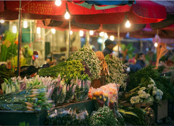 top-10-night-markets-in-vietnam-1