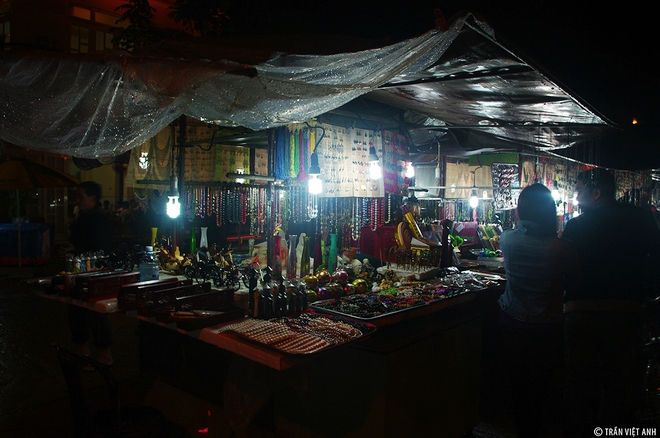 top-10-night-markets-in-vietnam-3
