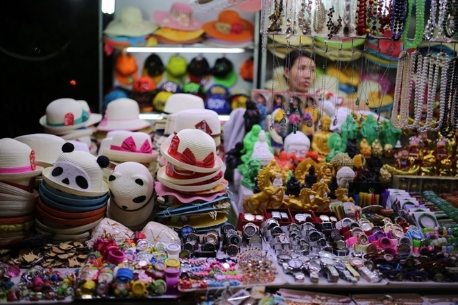 top-10-night-markets-in-vietnam-4