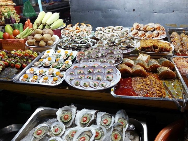 top-10-night-markets-in-vietnam-8