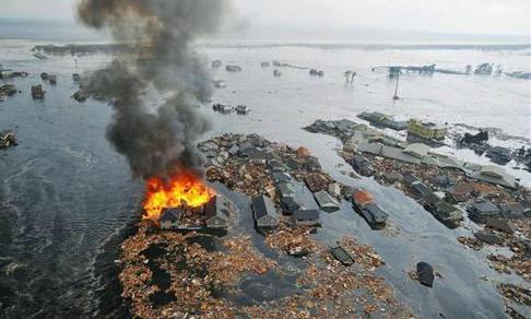 Quake hits east of Papua New Guinea, tsunami warnings scaled back