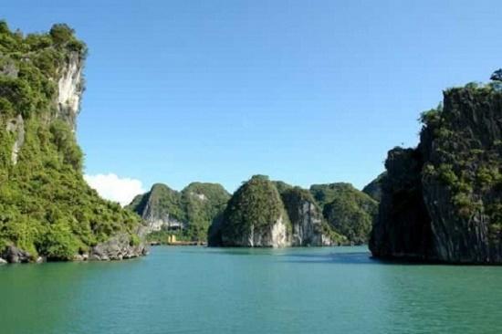 Ha Long Bay named in top ten Asian heritage sites