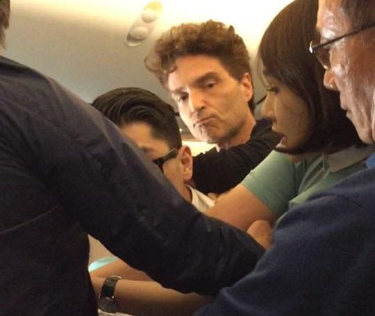 pop-star-richard-marx-helps-restrain-crazed-passenger-on-korean-air-flight-from-hanoi-3