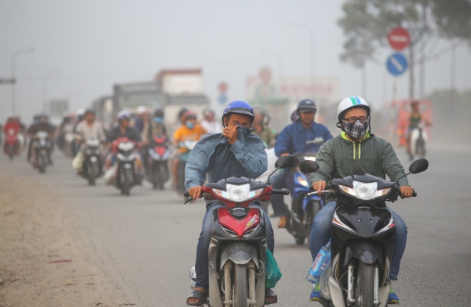 roadwork-leaves-saigon-artery-under-thick-coat-of-dust-3