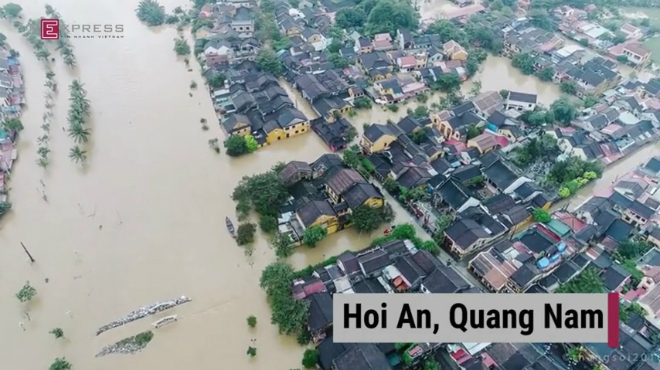 incorrect-heavy-downpours-caused-mass-flooding-in-hoi-an-town