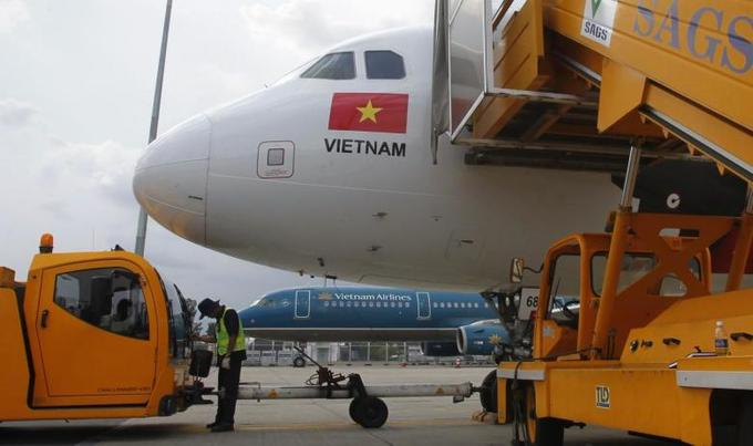 Airlines cry out as Saigon airport forces empty planes to park elsewhere
