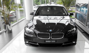Vietnam's BMW importer suspected of smuggling