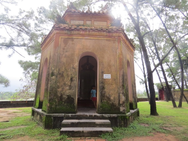 vandals-deface-vietnams-national-treasure-at-centuries-old-temple-ed-10