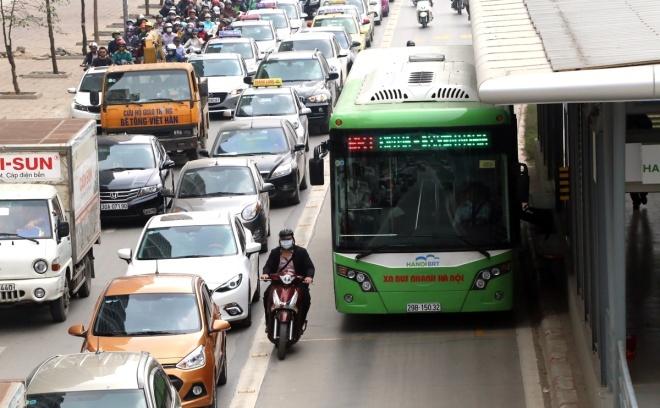 Hanoi plans second rapid bus route in push for public transport