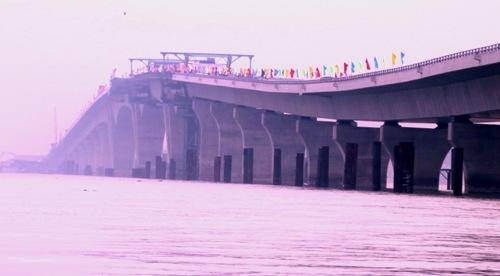 Vietnam's longest sea bridge to open to traffic this May