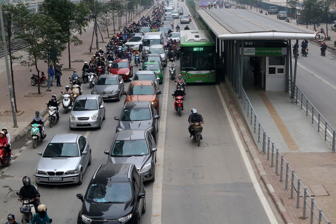 hanois-first-bus-rapid-system-still-a-work-in-progress-ed