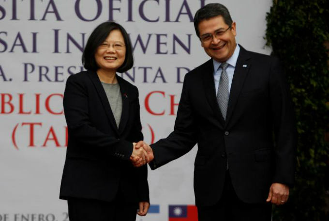 taiwan-courts-central-america-after-us-visit-angers-china