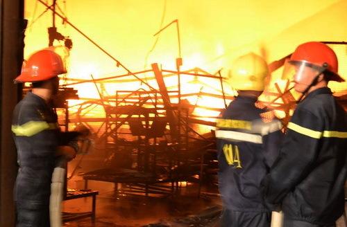 Fire destroys Suzuki warehouse in southern Vietnam