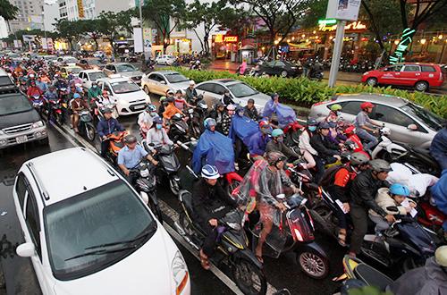 Da Nang seeks solutions to choking gridlock