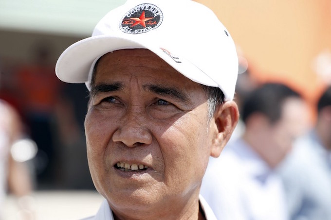 Vo Van Tam, 70, who was a member of the former Viet Cong guerrilla and who took part in the attack on Kerrys Swift Boat in February 28, 1969, stands after talking with US Secretary of State John Kerry after his tour of the region on January 14, 2017. Kerry is in Vietnam, his fourth and final trip to the communist nation where he served during the war. Alex Brandon / POOL / AFP
