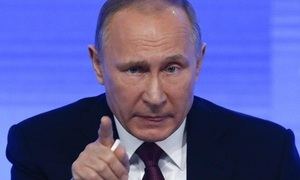 Is Vladimir Putin deliberately destabilizing US politics?