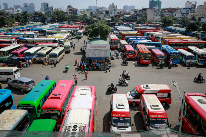 saigon-streets-jammed-as-migrants-rush-home-for-tet-12