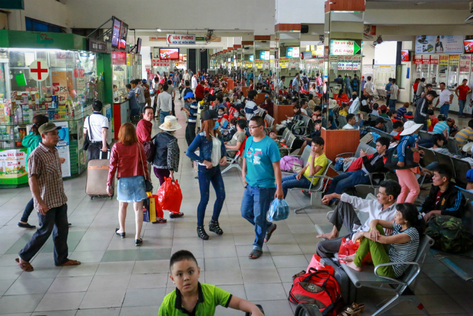 saigon-streets-jammed-as-migrants-rush-home-for-tet-6