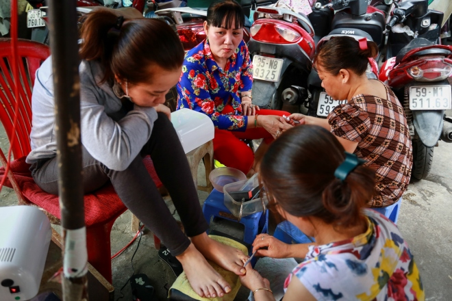 saigons-beauty-businesses-get-busy-for-tet-6