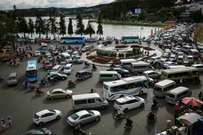 peaceful-da-lat-becomes-congested-as-vietnams-tet-holiday-ends-ed