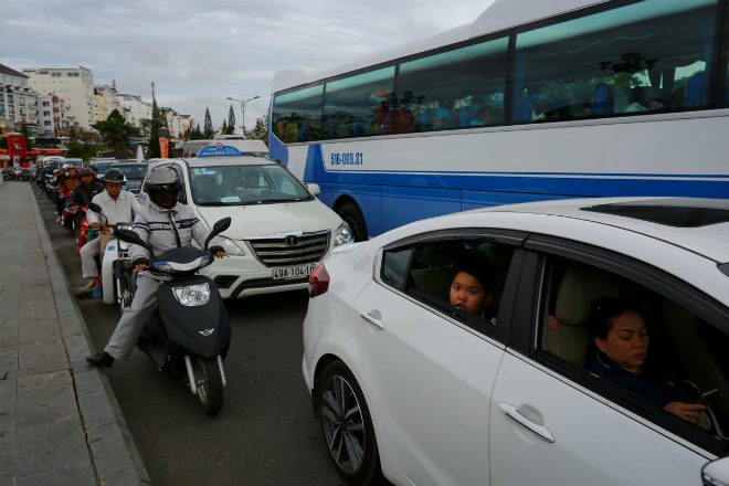 peaceful-da-lat-becomes-congested-as-vietnams-tet-holiday-ends-ed-1