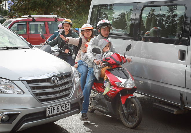 peaceful-da-lat-becomes-congested-as-vietnams-tet-holiday-ends-ed-6