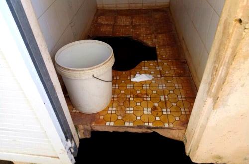 Vietnamese boy injured after school toilet sinks