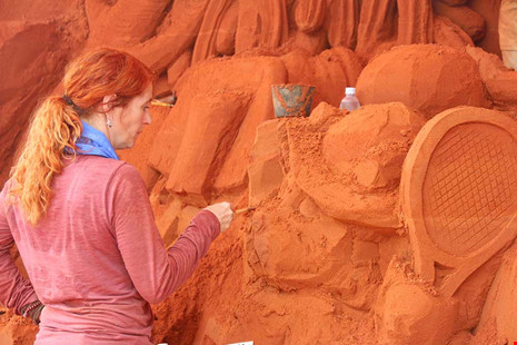 foreign-artists-build-castles-in-the-sand-in-southeastern-vietnam