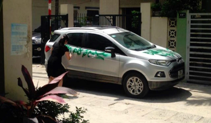 the-most-shocking-examples-of-parking-revenge-in-vietnam-9