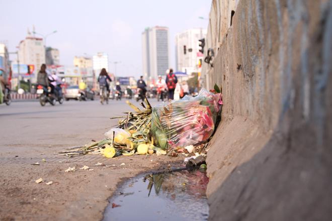 in-modern-hanoi-trash-remains-a-headache-1